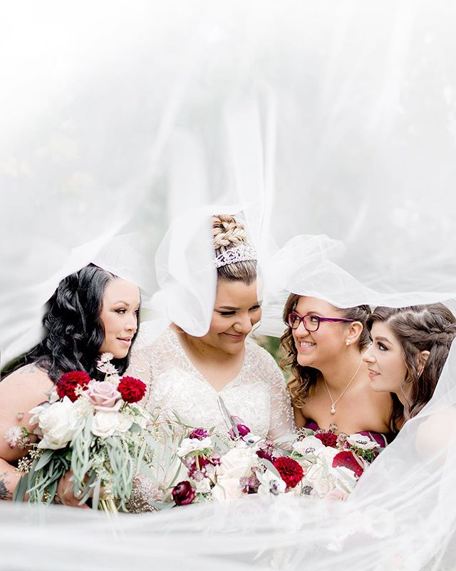 Veil shots, not just for couples anymore 😂❤️ loved working with these fun ladies who were more than happy to take a romantic photo together - excited to preview Saturday's fun wedding 🍁 Flowers @blossomboutiquebb  Make up @blushxbalm Hair @hairenvycd  Video @sdeweddings Planner @rainbowchan.weddings