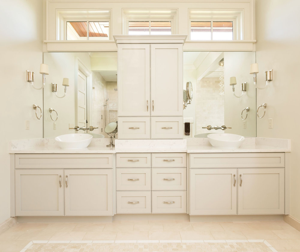 06. Master Bathroom.jpg