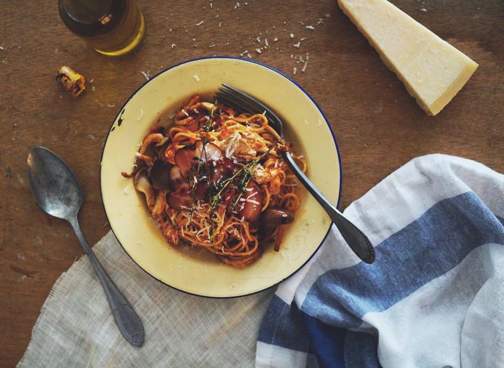 Cuisine de Clementine - herfstpasta met paddenstoelen, kip & knapperige pancetta