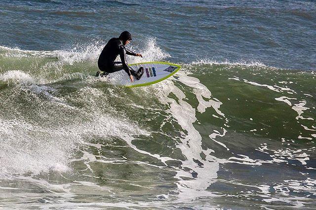 . #canon5dmarkiv #illgrammers #canon #surf #surfing #surfer #easternsurfmag #eastcoastsurf #eastcoaststyle #oceanbeach #igersrhodeisland #ig_rhodeisland #illgrammers #agameoftones #instasurf #fstoppers @officialfstoppers @easternsurfmag @surfers.vibes #bindebros @surfer_magazine @surf2summitmedia #narragansett #surfri #waverider @canonusa #CanonFavPic @surfmatunuck