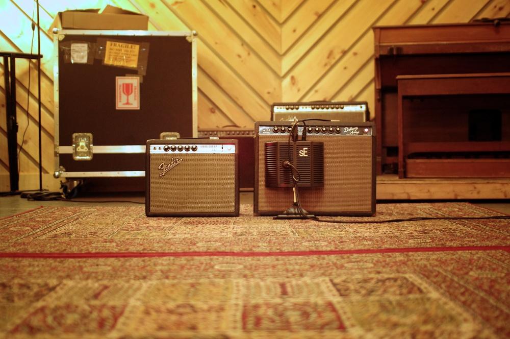 amps-far.jpg