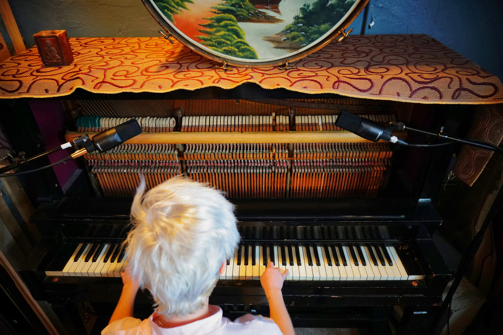 X1-S-piano1.jpg