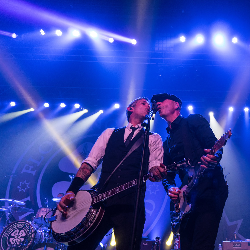 flogging-molly-med-16.jpg