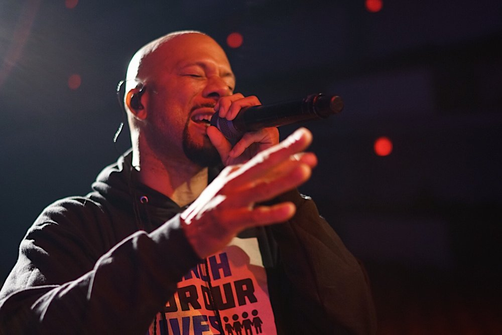Common on tour with the V7 MC1.