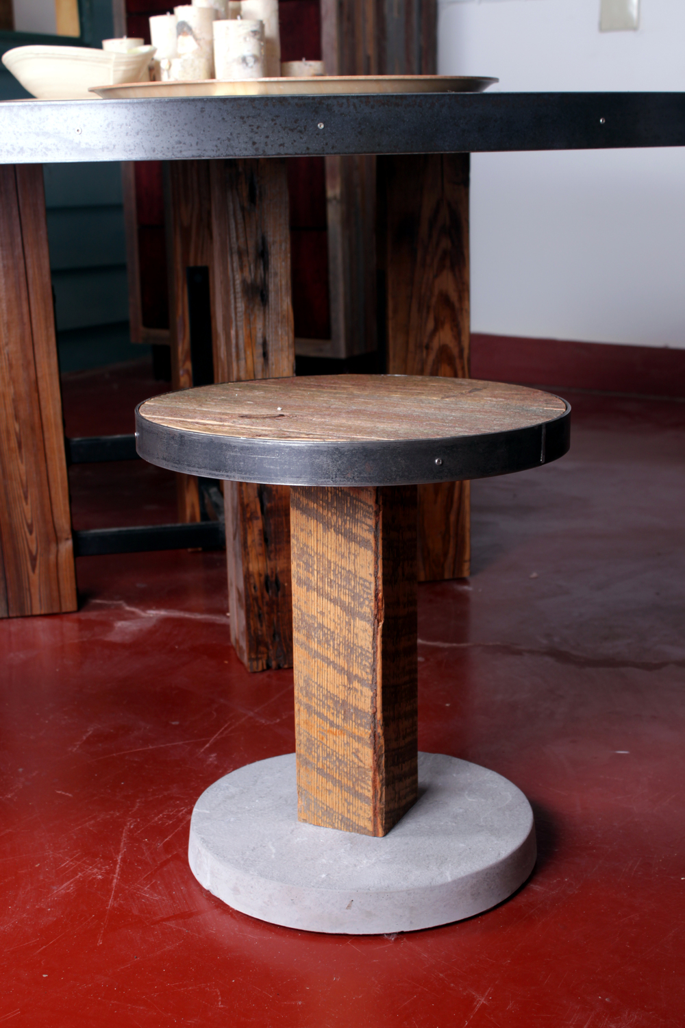 Great Round Dining And Stools 3