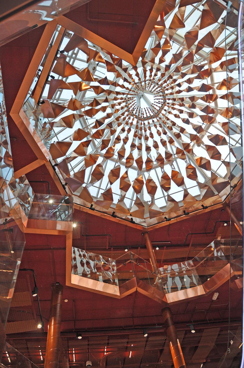 Lysdesigner Linda Knoph Vigsnæs har gjort lysdesignet i Paleet.