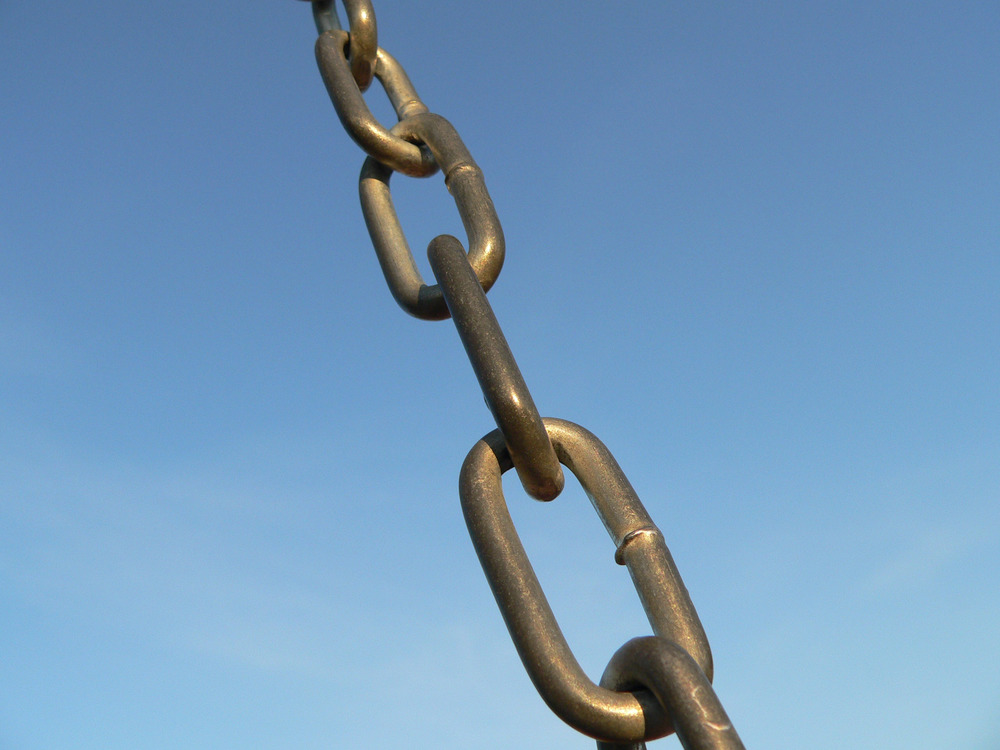Chain Linkage  by  Max Klingensmith  on  Flickr          Creative Commons License