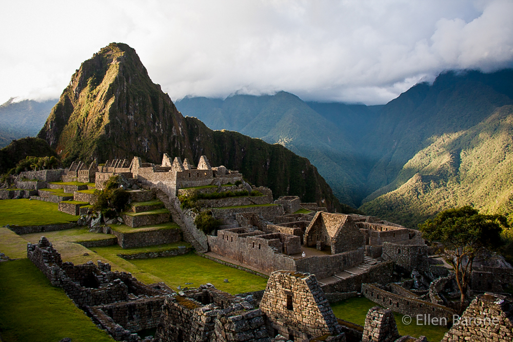 Machu Picchu ruins, Lost City of the Incas, Peru, South America.