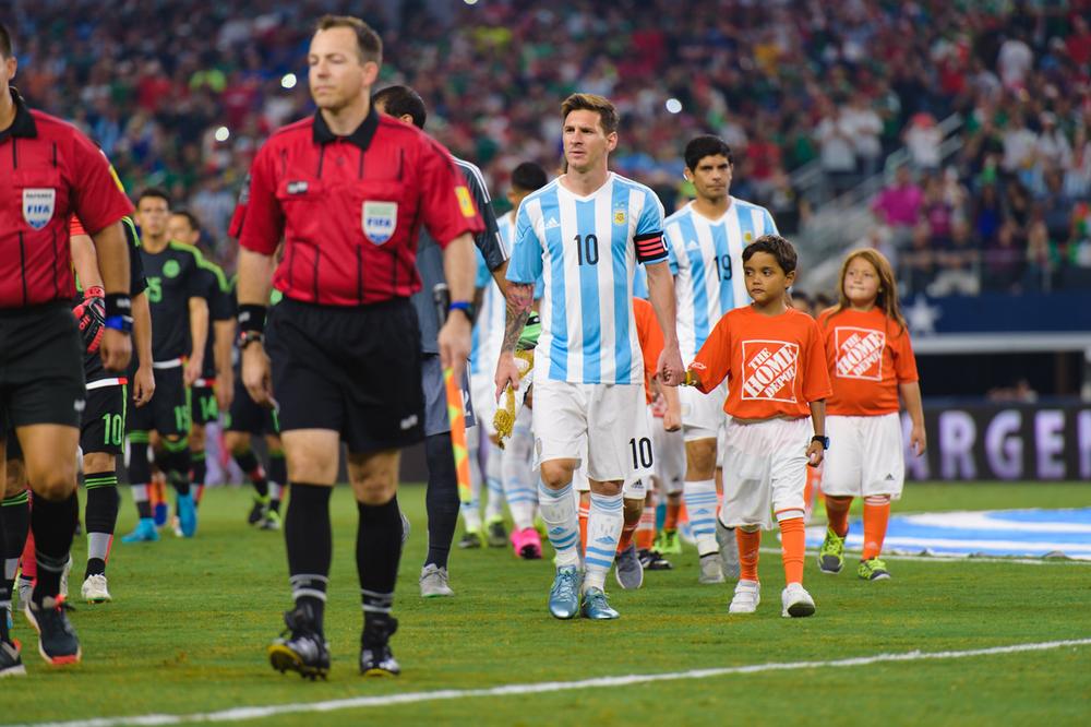 Mexico-vs-Argentina-CarlosBarron-6.jpg