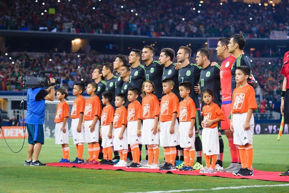 Mexico-vs-Argentina-CarlosBarron-11.jpg