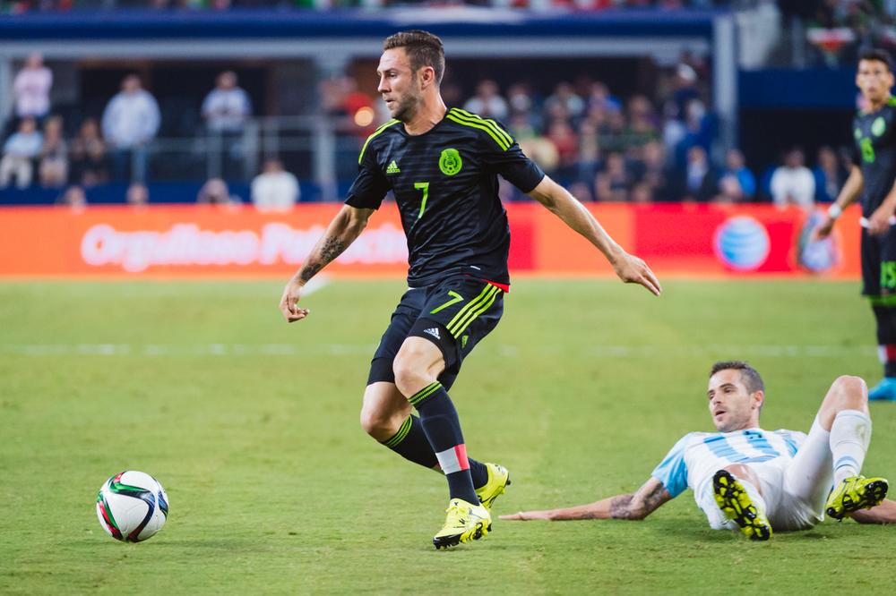 Mexico-vs-Argentina-CarlosBarron-19.jpg