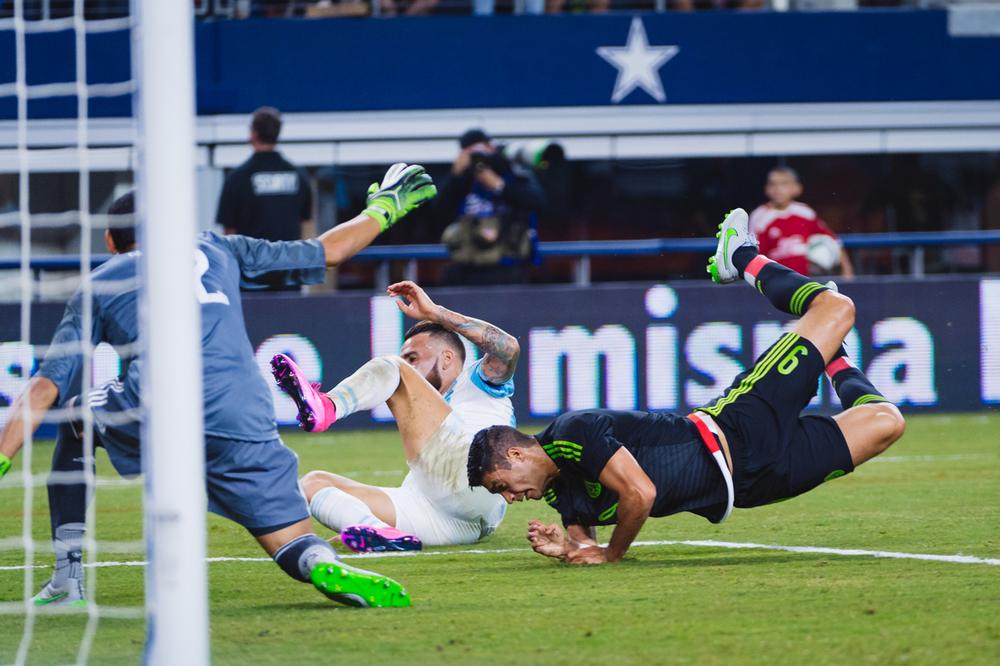 Mexico-vs-Argentina-CarlosBarron-24.jpg