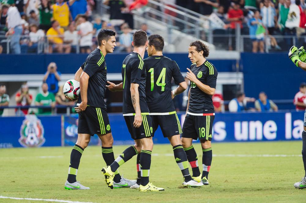 Mexico-vs-Argentina-CarlosBarron-26.jpg