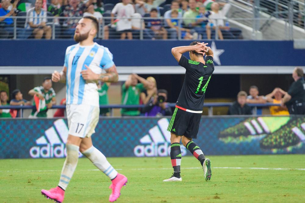 Mexico-vs-Argentina-CarlosBarron-50.jpg