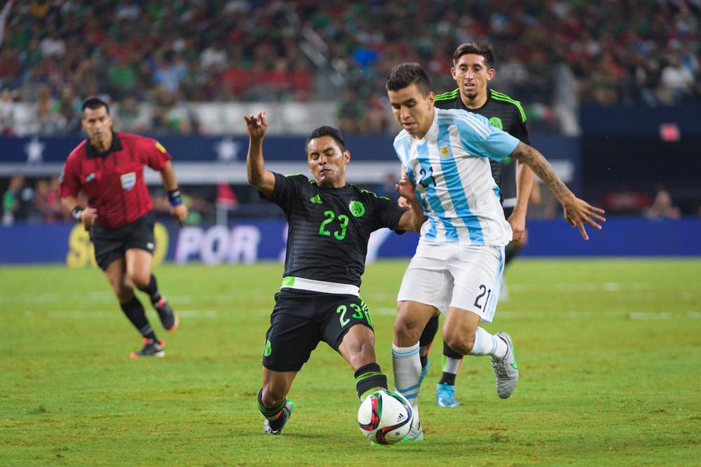Mexico-vs-Argentina-CarlosBarron-57.jpg