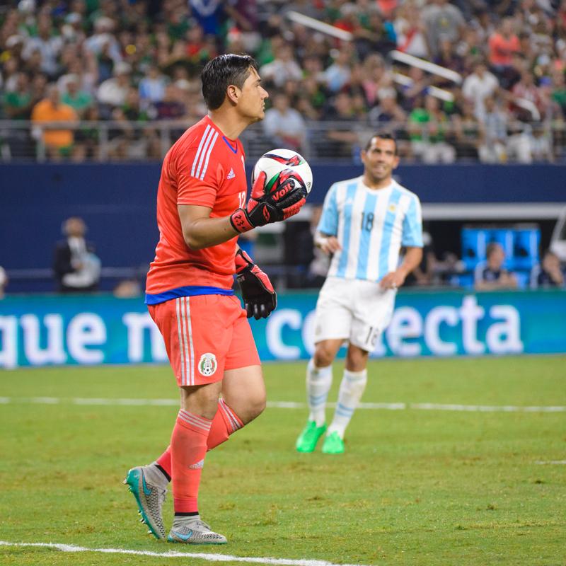 Mexico-vs-Argentina-CarlosBarron-64.jpg