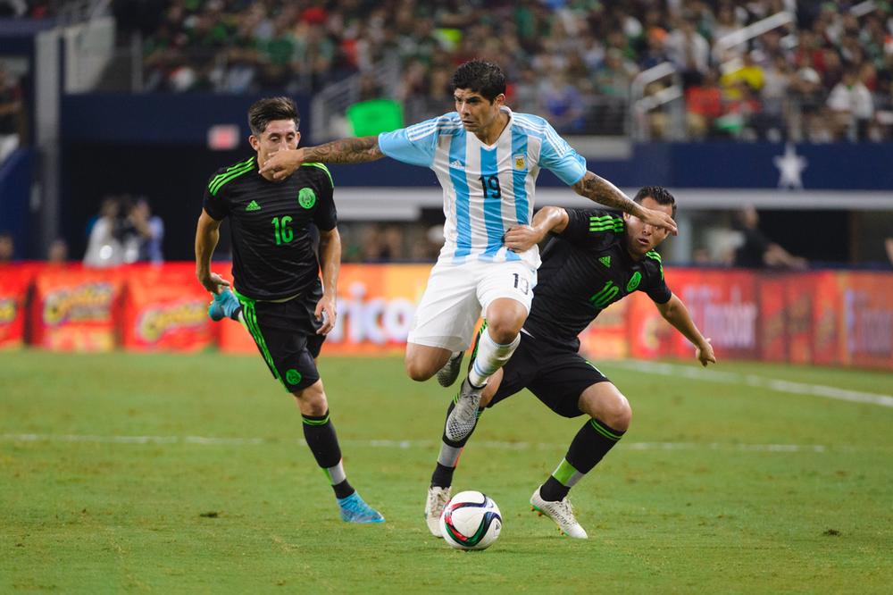 Mexico-vs-Argentina-CarlosBarron-66.jpg
