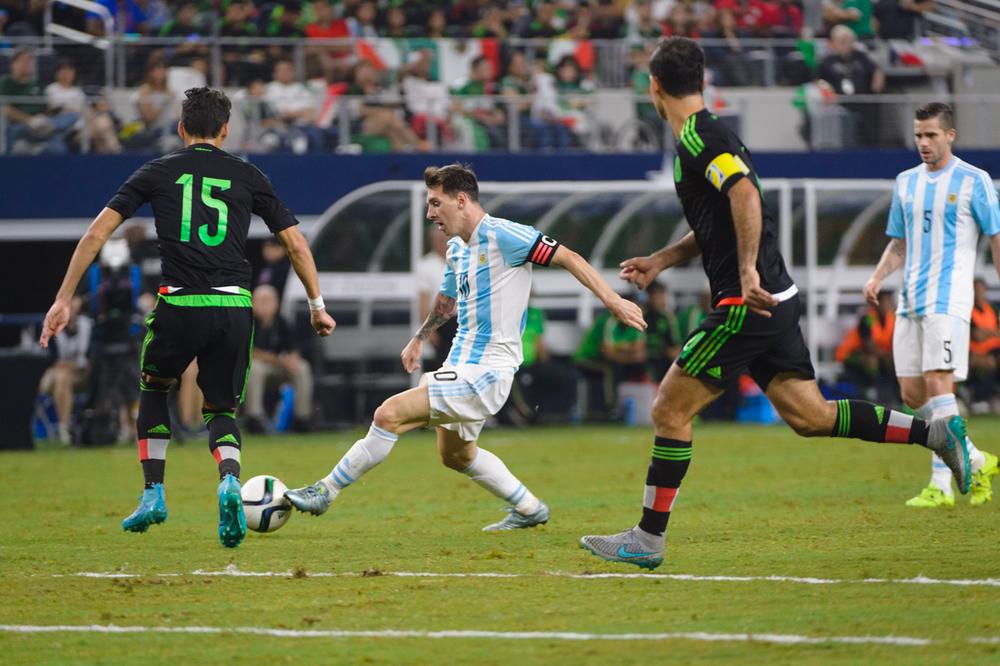 Mexico-vs-Argentina-CarlosBarron-71.jpg