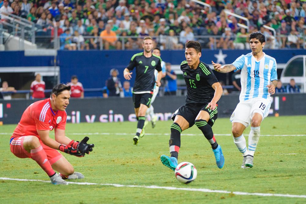 Mexico-vs-Argentina-CarlosBarron-75.jpg