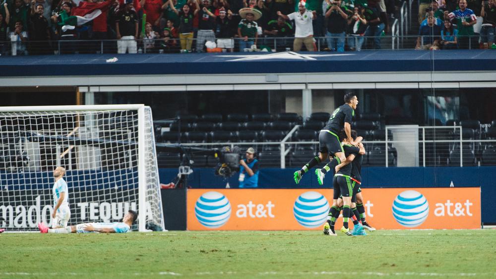 Mexico-vs-Argentina-CarlosBarron-84.jpg