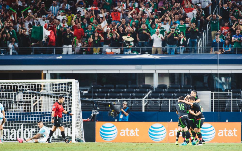 Mexico-vs-Argentina-CarlosBarron-85.jpg