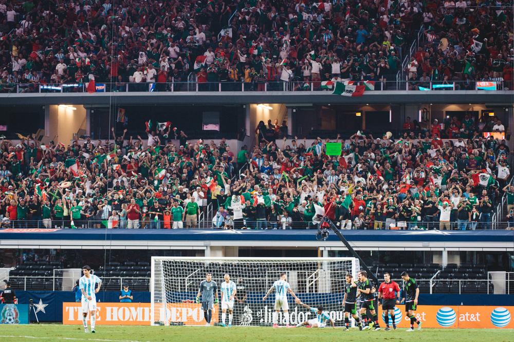 Mexico-vs-Argentina-CarlosBarron-86.jpg