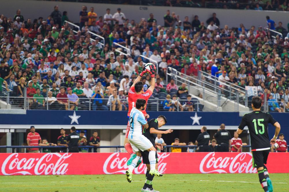 Mexico-vs-Argentina-CarlosBarron-94.jpg