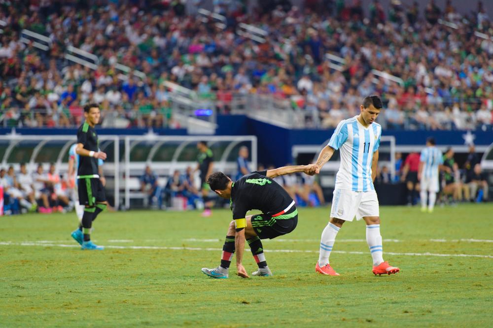 Mexico-vs-Argentina-CarlosBarron-95.jpg