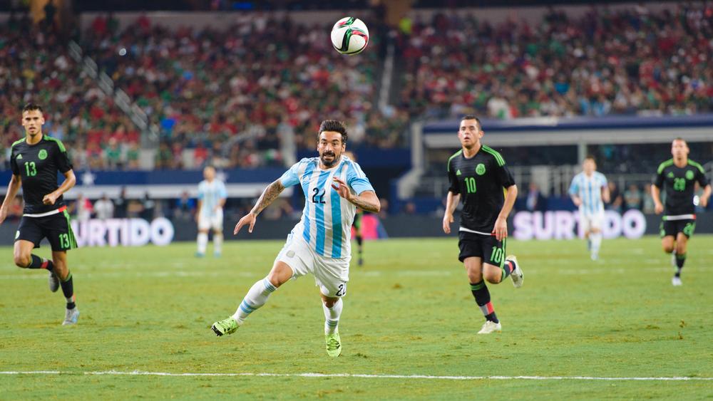 Mexico-vs-Argentina-CarlosBarron-97.jpg
