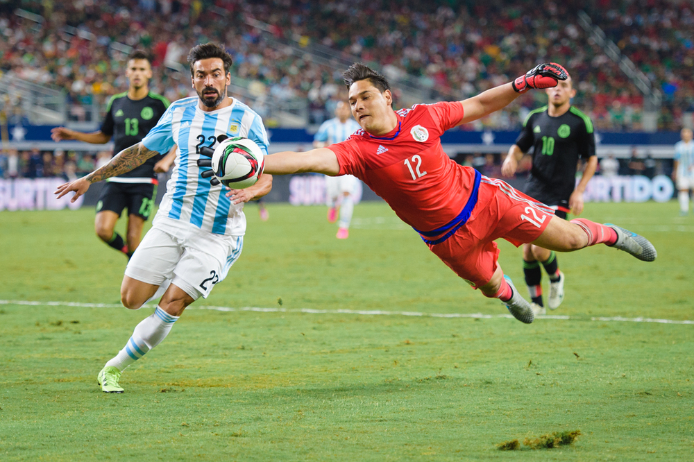 Mexico-vs-Argentina-CarlosBarron-100.jpg