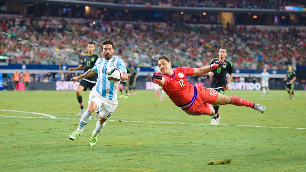 Mexico-vs-Argentina-CarlosBarron-101.jpg