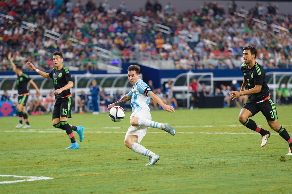 Mexico-vs-Argentina-CarlosBarron-105.jpg