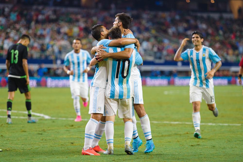 Mexico-vs-Argentina-CarlosBarron-111.jpg