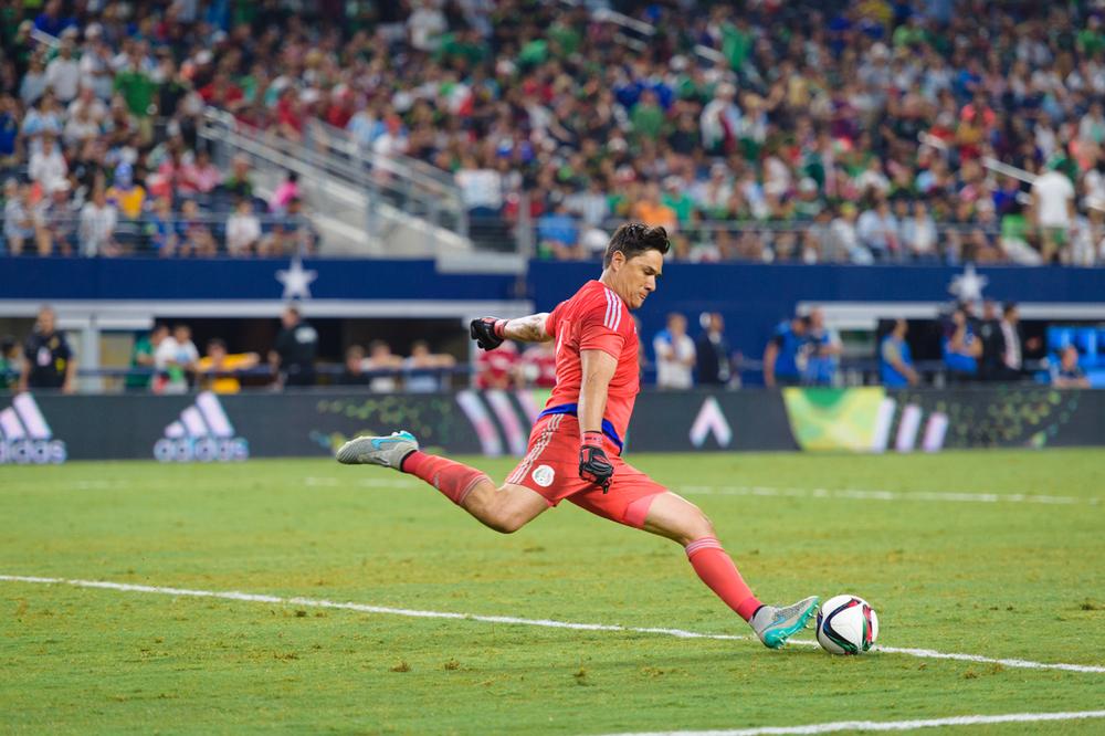 Mexico-vs-Argentina-CarlosBarron-116.jpg