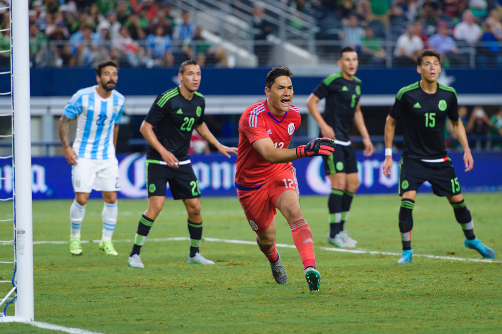 Mexico-vs-Argentina-CarlosBarron-118.jpg
