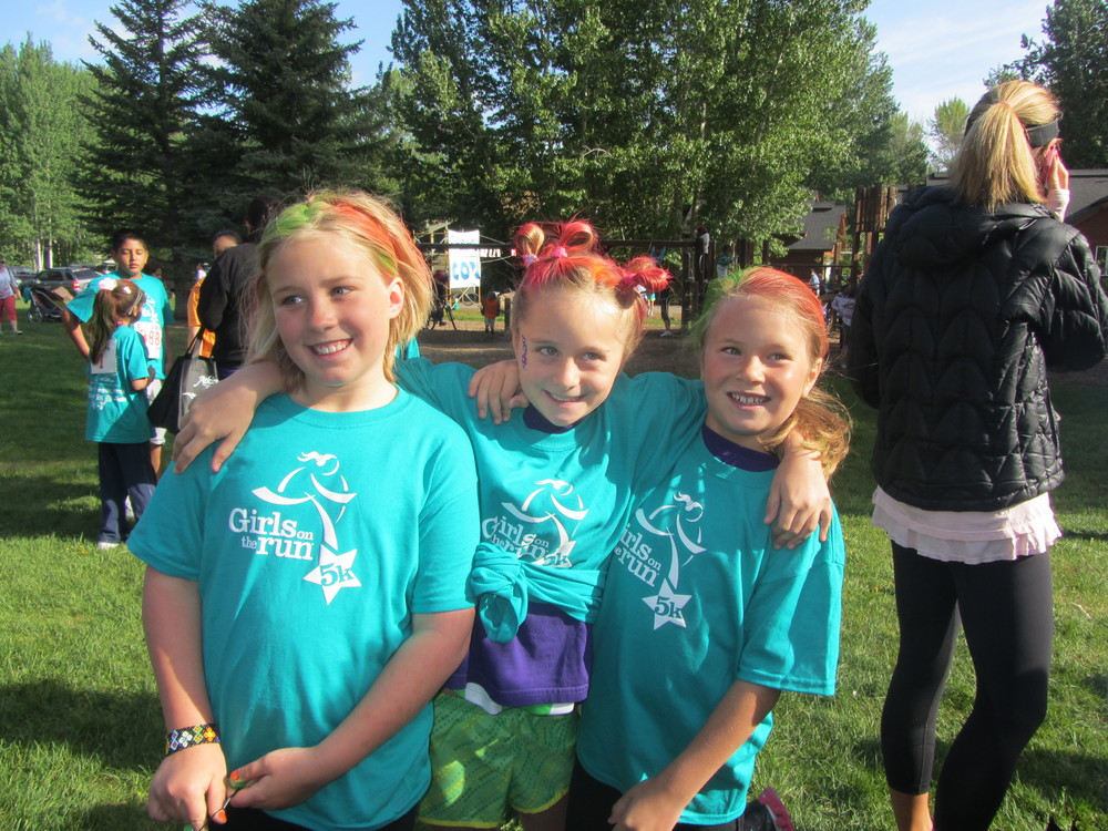 Anneka with some of her Hailey team mates at the final 5k!
