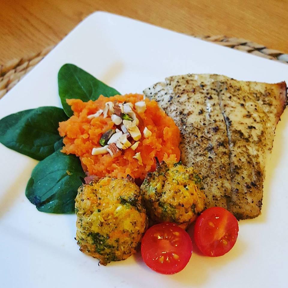 Dinner: ©Photo: Heather James, Inspiring Mums®