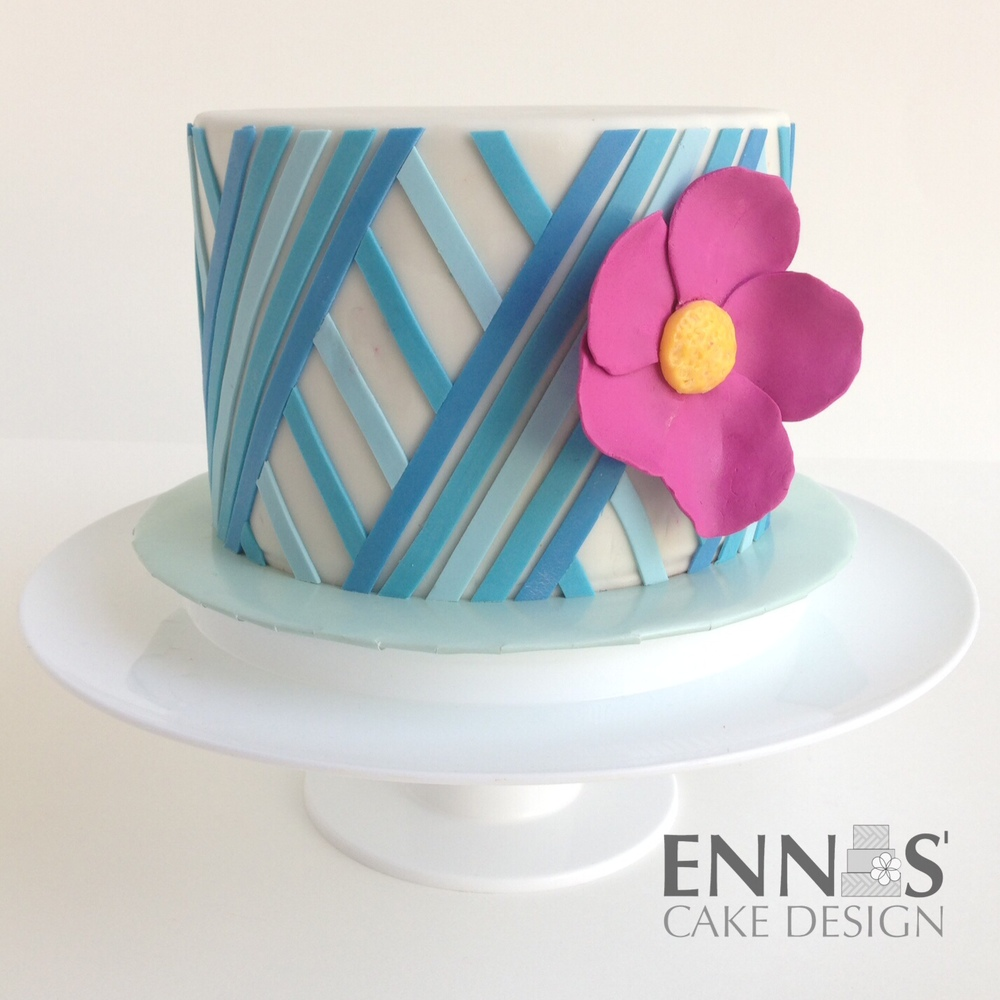 blue-graffic-cake.jpg