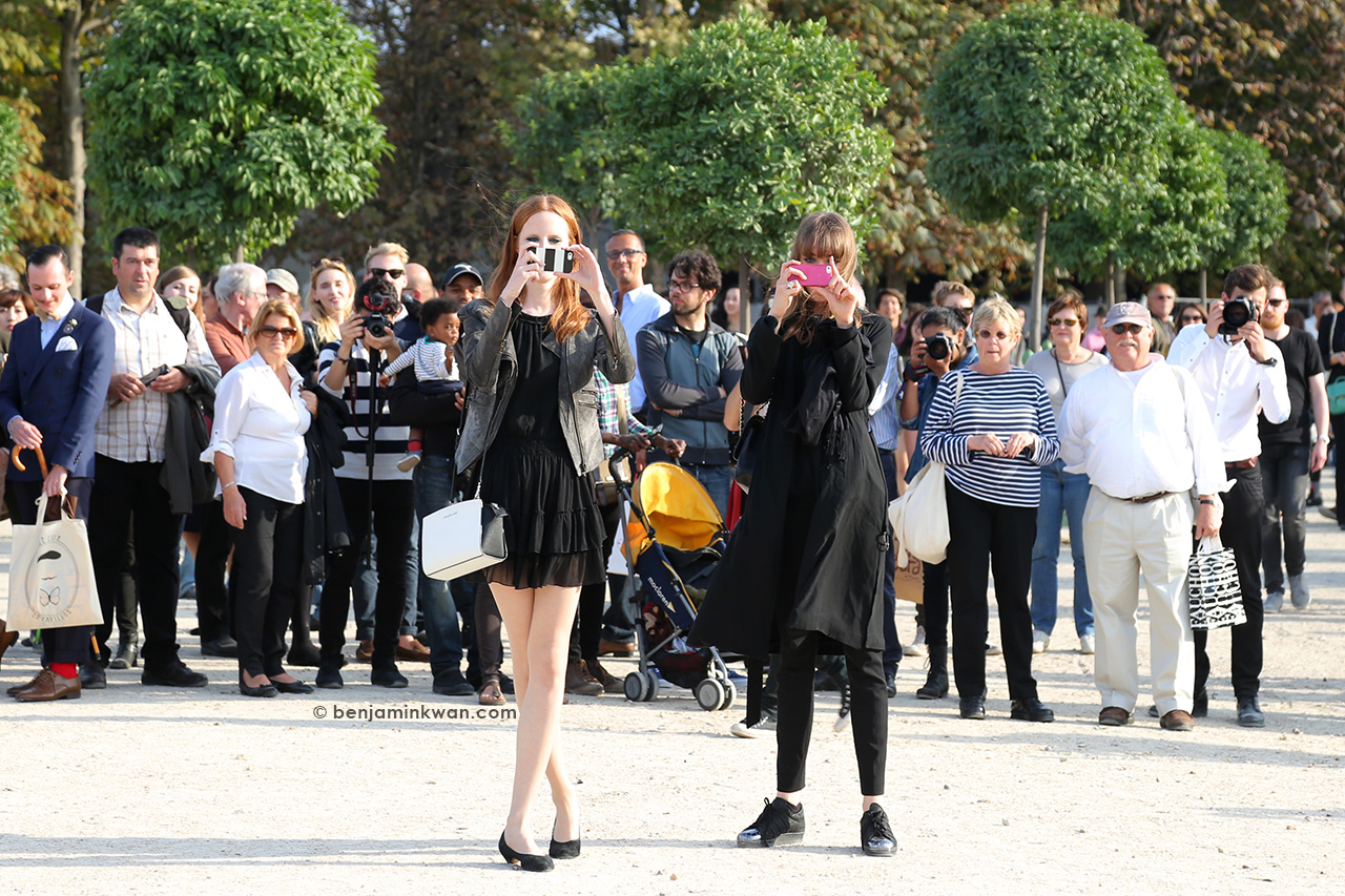 Magdalena Jasek and Daga Ziober at Elie Saab SS 2015 Paris Snapped by Benjamin Kwan     Paris Fashion Week