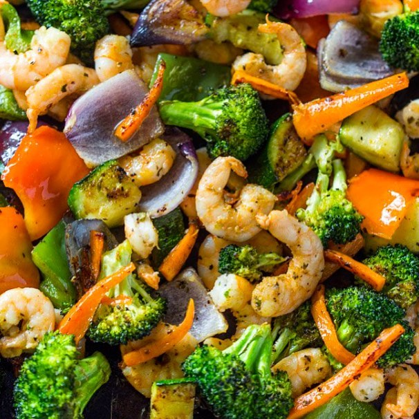 Shrimp and vegetables for today's lunch with organic balsamic dressing.. it's a good day!! #rdapproved #phillydietitian
