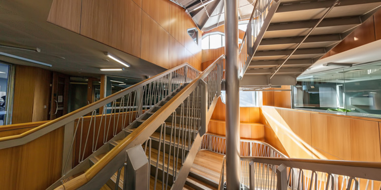 Internal staircase & labs