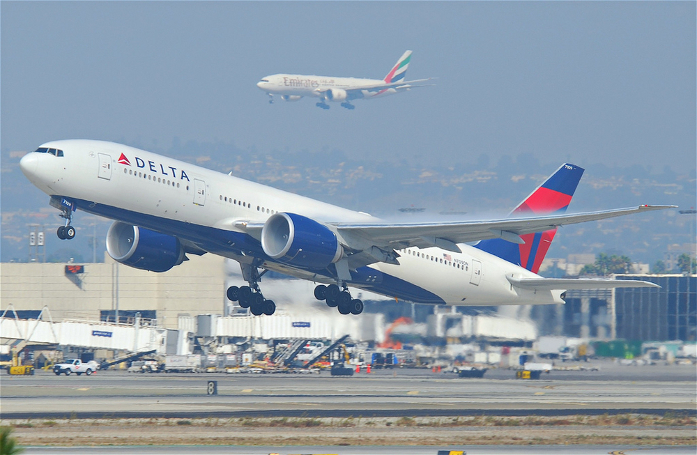 With help from Delta and Emirates, which now flies an A380 to Los Angeles, LAX had a record setting traffic year in 2014. Photo: Aero Icarus, via Flickr/Creative Commons.
