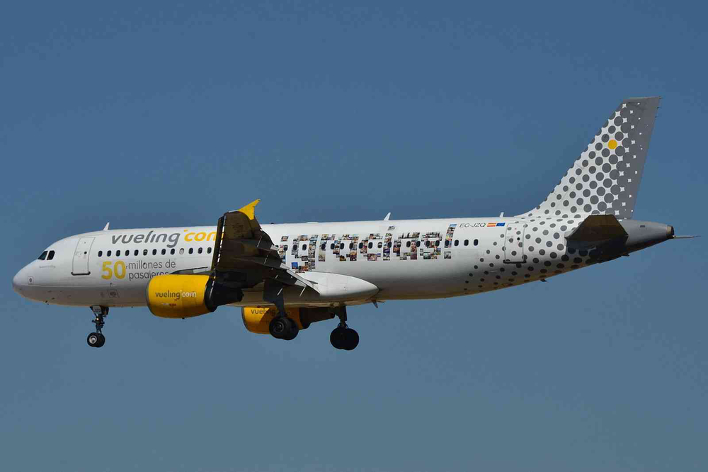Vueling tries to market to millennials. Should other airlines? Photo: Wikimedia Commons.