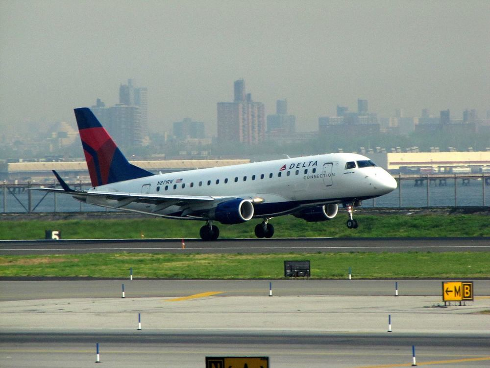 Republic Airways wants pilots to ratify a new contract. Photo:redlegsfan21/Flickr (Creative Commons.)