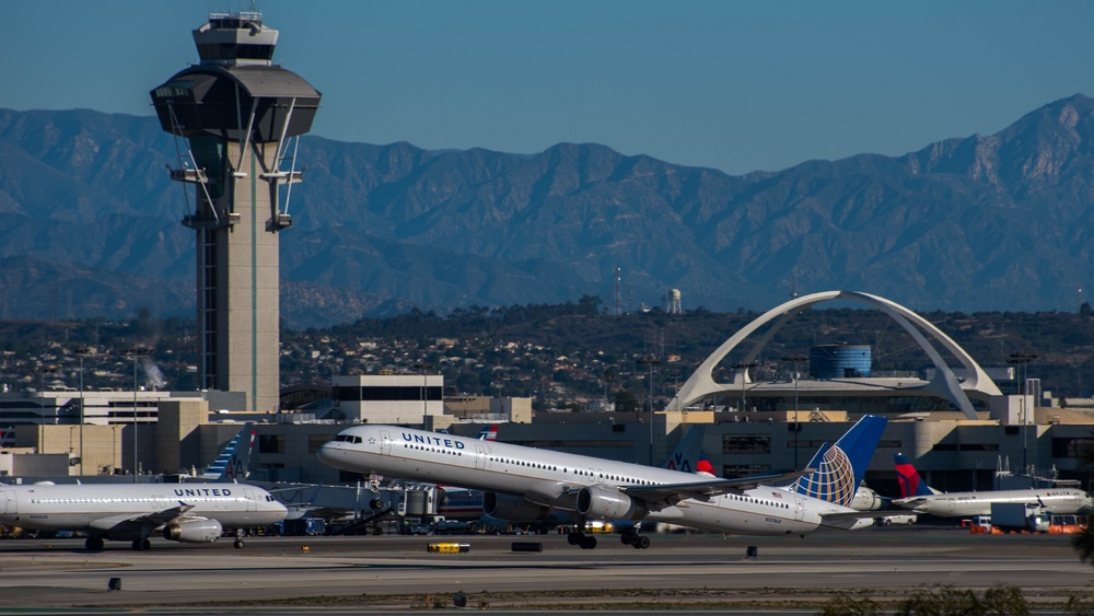 Most of the time, it is sunny at LAX. But look for a lot of rain this winter. Photo: Glenn Beltz/Flickr (Creative Commons)