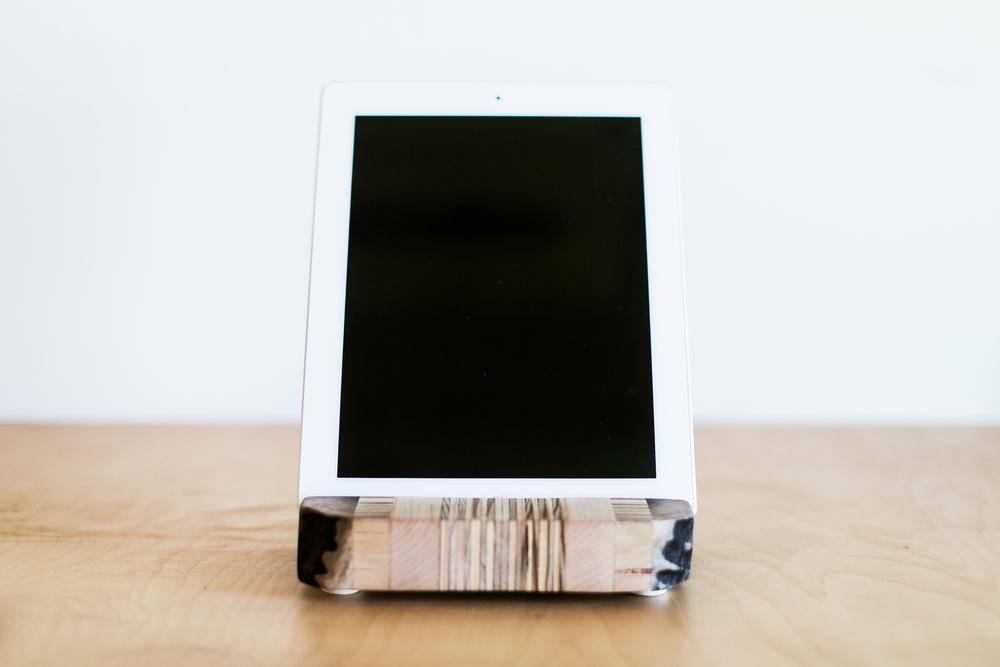 iPad Stand | 002