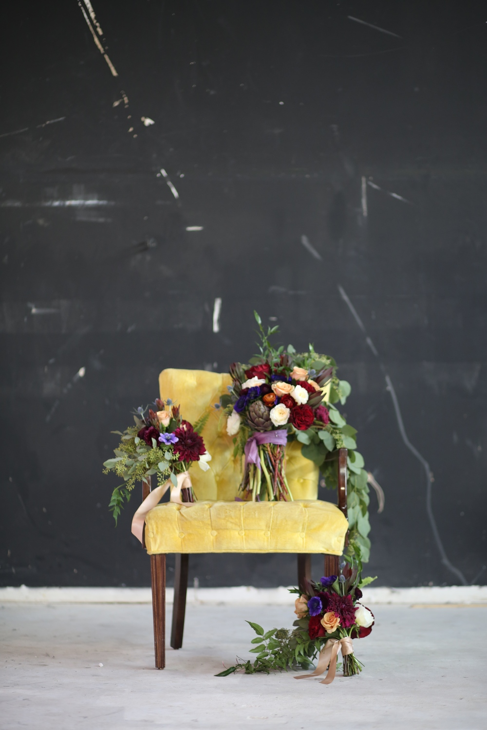 awesome flowers + gorgeous chair  = awesome shot