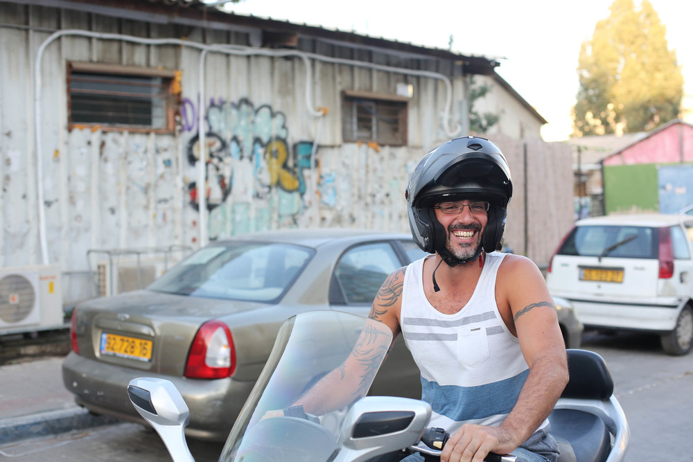 Our cousin Itzik met us for the show. Loved his moped. I must ride one while I'm here, yes?