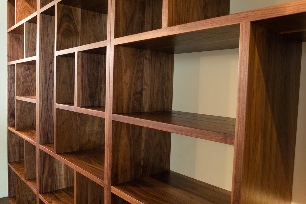Bookcase-06022.jpg