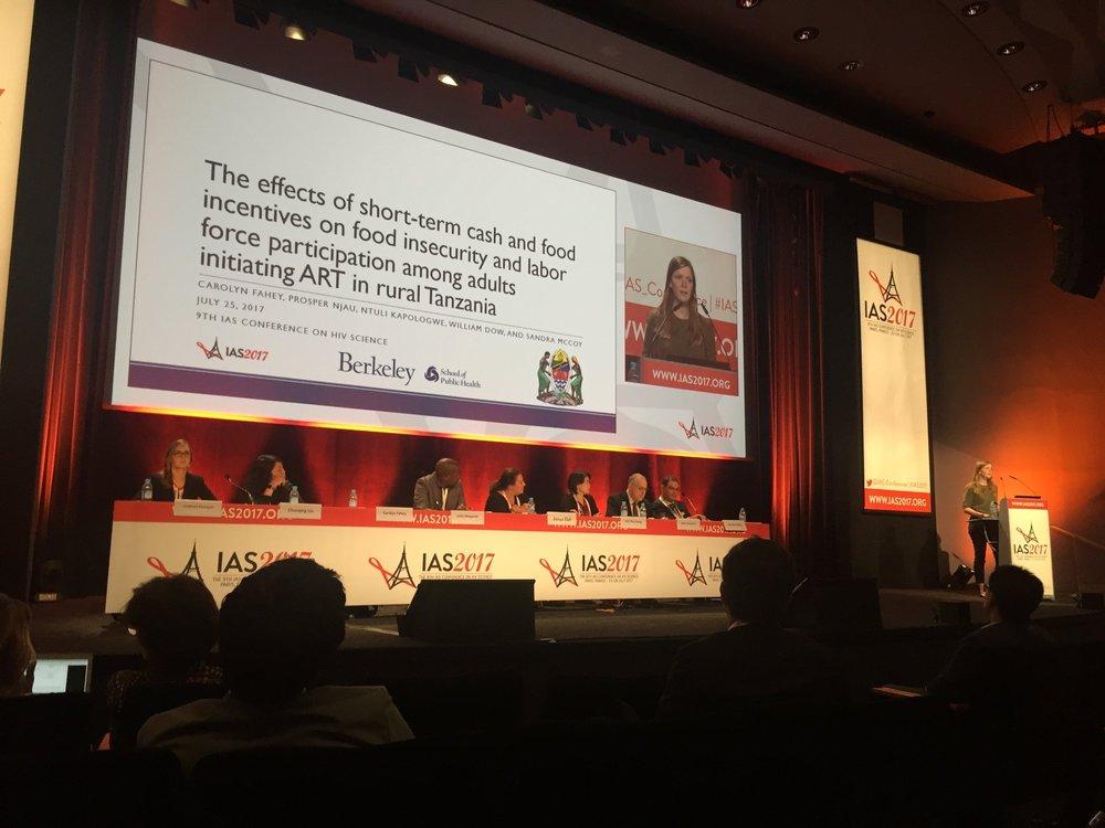 Carolyn Fahey presenting her work.